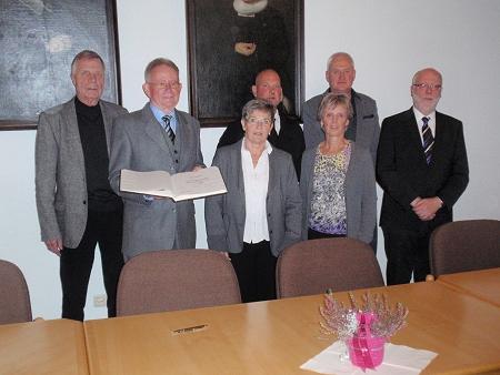 Bürgermeisterin zeichnet Ehrenamtler der Stadt Friedrichstadt aus